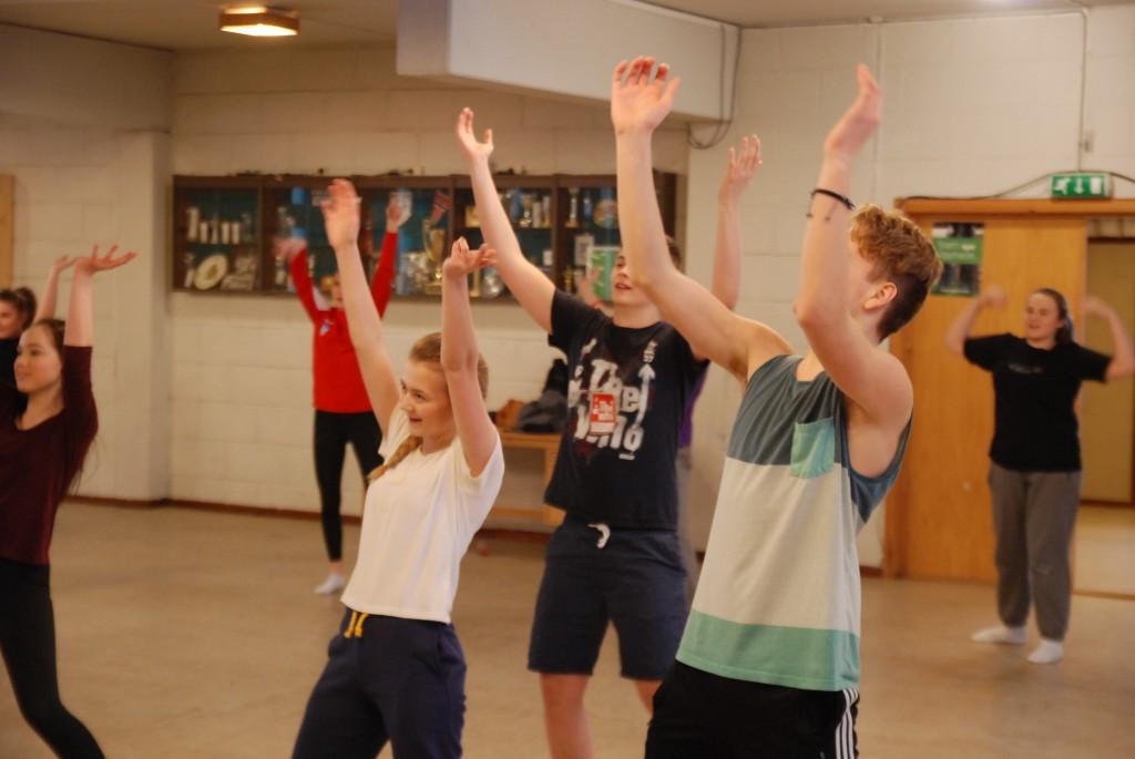 Musikkelevane må vere koordinerte når dei går på scena på Ørsta kulturhus. Foto: Knut Espe Bae