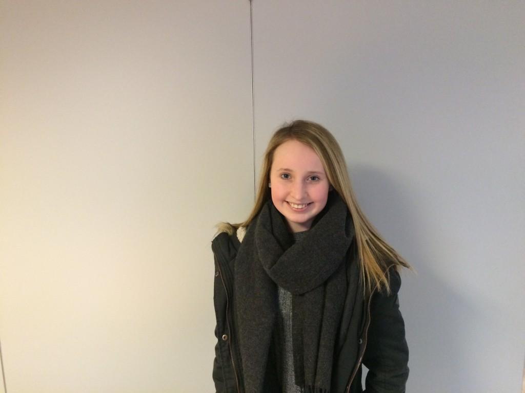Andrea Hovde som også er frå Møre barne/ungdomsskule var på musikalen i fjor, og gler seg til årets musikal, sidan ho likte fjorårets musikal veldig godt. (Foto: Knut Espe Bae)