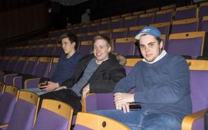 Karane er spente på premieren og tenkjer det skal bli kult. Foto: Malin Nordby Kvamme