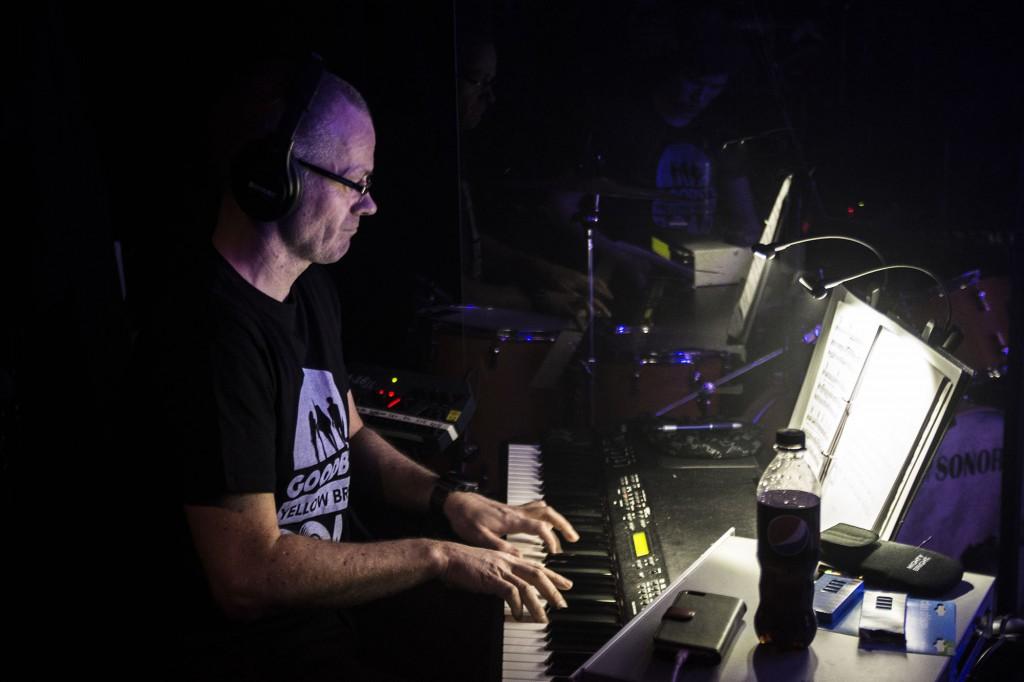 Kjetil Eiksund har spelt i musikalorkesteret dei siste 20 åra. Foto: malin Nordby Kvamme.
